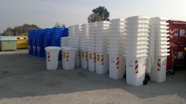 Comercializare recipienti pentru precolectarea deseurilor